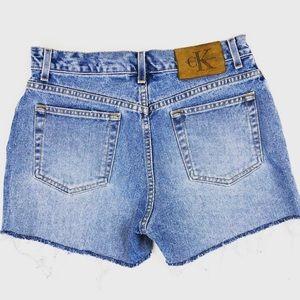 Calvin Klein Vibtage Mom Jeans Shorts Frayed Hem